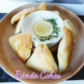 Samoussas Ecrasée de Pommes de terre , pignons et sauce au yahourt grec